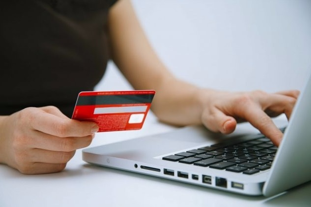 Можно ли получить микрокредит в 18 лет на карту?